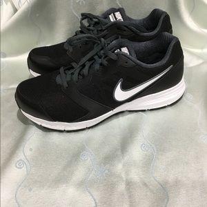 Nike Shoes - Nike Men's Downshifter 6 4E running shoes